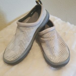 Merrell Slip On Leather Vented Clogs Size 8.5